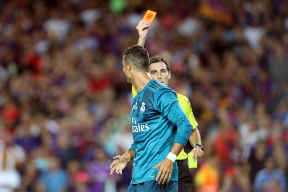 Surowa kara dla Ronaldo. Za popchnięcie sędziego