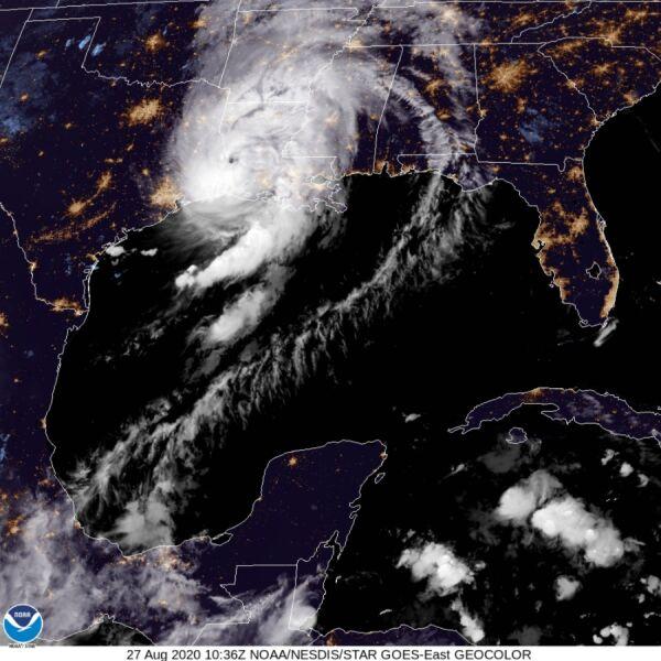 Huragan Laura na zdjęciu satelitarnym (NASA)